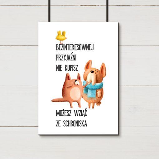 Plakat z napisem o psach do salonu