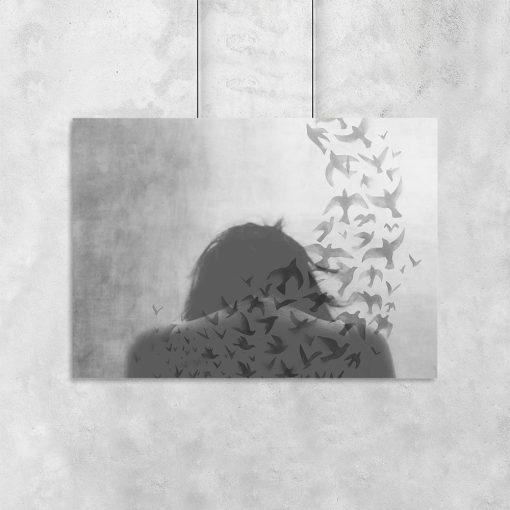 Plakat z motywem kobiety i ptaków