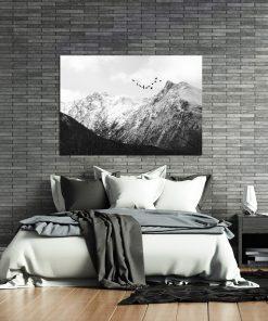 Plakat z górami do sypialni