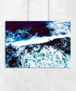Abstrakcyjny plakat z motywem morskiej fali