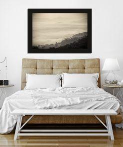 Plakat w kolorze sepii do sypialni