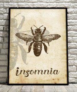 insomnia na plakacie z pszczołą