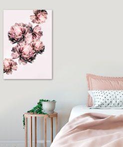 palakt z motywem różowego ciągu kwiatów