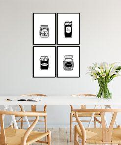 czarno-białe plakaty na ścianę w kuchni