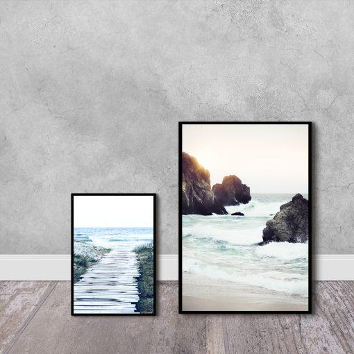 Dwa plakaty w zestawie z morzem i plażą
