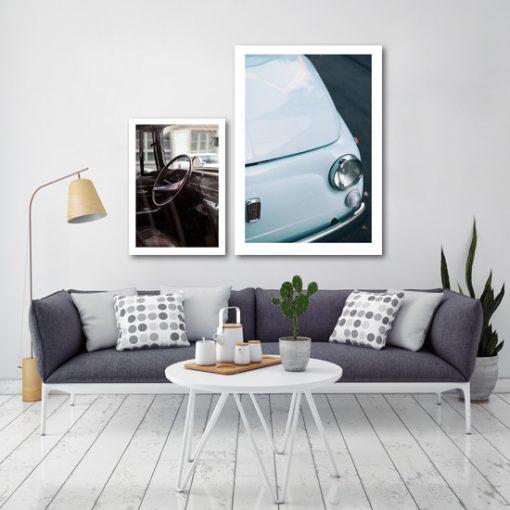 Dwa plakaty z samochodem retro do salonu