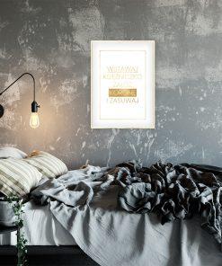 Metaliczny plakat do sypialni