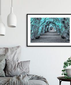 plakat z drzewami do salonu