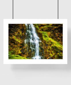 wodospad na plakacie