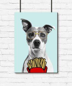 pies z frytkami na plakacie dla dziecka