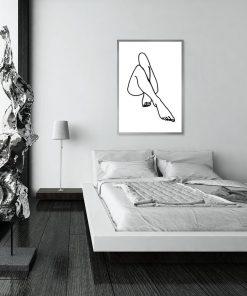 plakat minimalistyczny z kobiecymi nogami