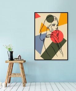 pionowa dekoracja i kobieta