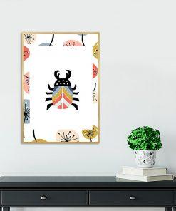 plakat z kolorowym żukiem