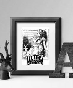 plakat przedstawiający Alicję z Krainy Czarów