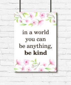 plakat z typografią o byciu miłym