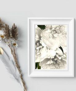 Kwiatowe elementy na plakacie
