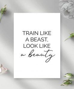 Plakat z typografią - Train like a beast