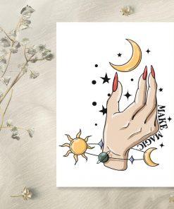 kobieca dłoń i księzyc-plakat w ramie
