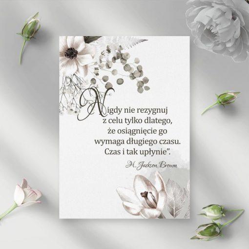 Plakat z typografią i kwiatami