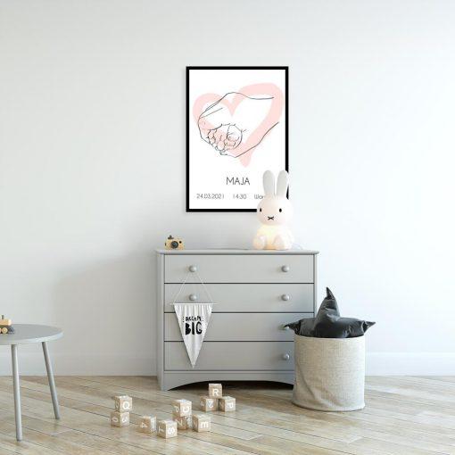 Artystyczny plakat dla niemowlaczka z metryczką i różowym sercem