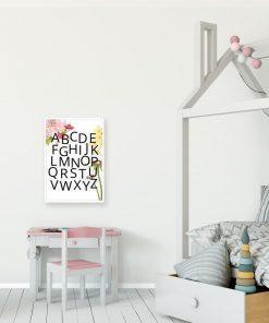 Plakat z alfabetem i kwiatkami dla dzieci