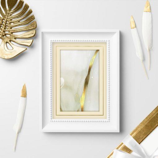 Poster ze złotą smugą