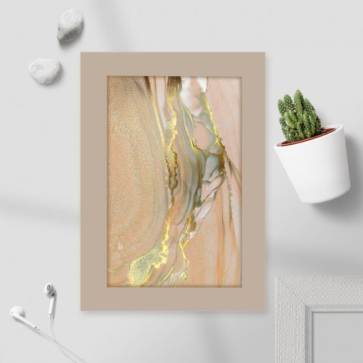 Marmur na plakacie z imitacja złocenia