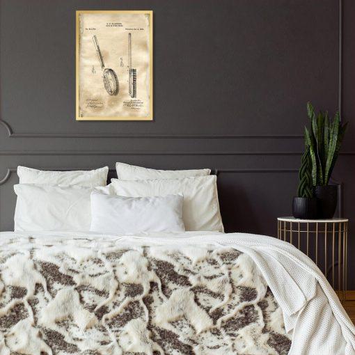Plakat z patentem na szczotkę kąpielową do sypialni