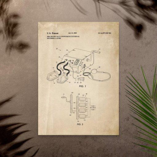 Plakat ze schematem budowy defibrylatora