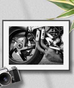 Plakat z motorem do sypialni