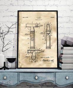 Plakat z rysunkiem patentowym otoskopu laryngologicznego do biura
