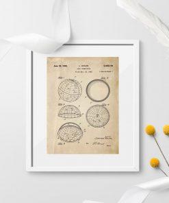 Plakat ze schematem budowy urządzenia astronomicznego