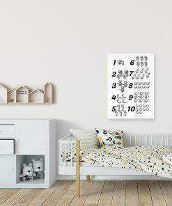 Czarno-biały plakat z kosmosem i cyferkami