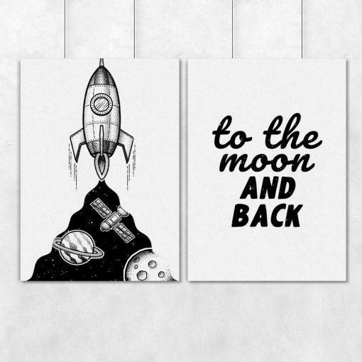 Plakat dla dzieci z sentencją w j. angielskim: to the moon and back
