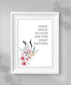 Plakat z maksymą i kwiatami wiśni bez ramy