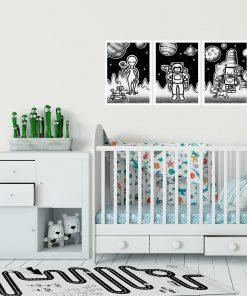 Tryptyk plakatowy: astronauta i ufoludki